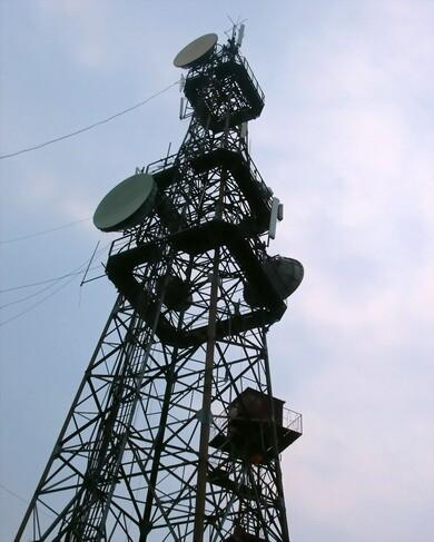 了望塔(了望塔)结构一般为钢结构塔架,拆装方便.
